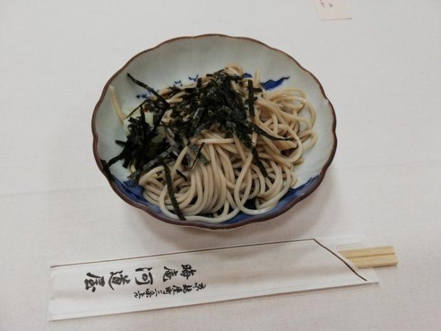 上賀茂神社献茶式のそば